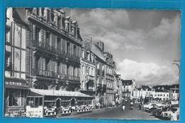 C.P.M. LE CROISIC - Place Boston Et Hôtel Masson - Le Croisic