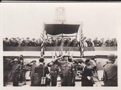 MINI PHOTO--PARIS-tribune M. LE TROCQUER Les Généraux KOENIG DE GAULLE Et BRADLEY-libération 1944 Armistice-voir 2 Scans - Photographie