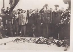 MINI PHOTO--PARIS---général  DE GAULLE à L'arc De Triomphe--libération 1944 Armistice-voir 2 Scans - Photographie