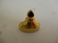 NO PINS BROCHE FLACON DE PARFUM 3 D Intérieur Creux Doré Fermeture épingle  / 33NAT - Perfume