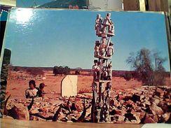 MADAGASCAR: MAHAFALY: Tombeaux Dans Le Sud TOMBE SCULTURE  FUNEBRI   N1975 GI17595 - Madagascar