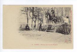 CPA Régiment Cavalerie Saumur Dressage Pour Concours Hippique N° 18 - Regiments