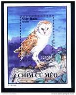 Vietnam Viet Nam MNH Perf Souvenir Sheet 1995 : Owl / Bird (Ms702B) - Vietnam