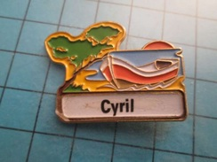 Pin712b Pin's Pins : Rare Et Belle Qualité : VOILIER BARQUE CANOT CYRIL   , Marquage Au Dos : - ---  - - Bateaux
