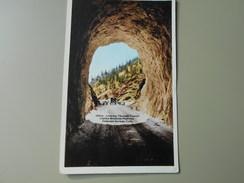 ETATS-UNIS CO COLORADO COLORADO SPRINGS LOOKING THROUGH TUNNEL CORLEY MOUNTAIN HIGHWAY - Colorado Springs