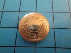 Pin0113a  Pin's Pins / Beau Et Rare : METAL JAUNE PARFUM ROCHAS - Perfume