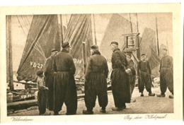Volendam Bij Den Klokpaal Pêcheurs Gros Plan Très Animée Env. 1920 - Volendam