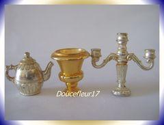 Feve Dorée .. Réception Royale Or Et Argent ... 3 Fèves..  Ref. AFF : 72-1998 - Anciennes