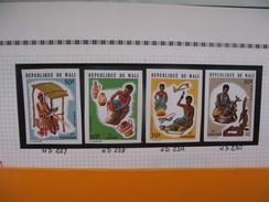 Timbre Non Dentelé   N° 227 à 230  Artisants  1974 - Mali (1959-...)