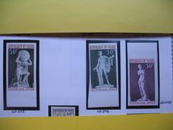 Timbre Non Dentelé   N° 295 à 296 Et 298  Sculptures Célèbres   1973 - Nigeria (1961-...)