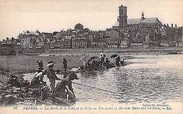 NEVERS - Bords Loire - Ville - Francia