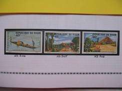 Timbre Non Dentelé   N° 344 à 346  Tourisme  1975 - Nigeria (1961-...)