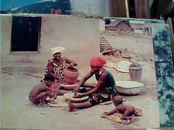 AFRICA SCENA DI VITA  DONNE  FANNO VASI  S1973 GI17618 - Cartoline