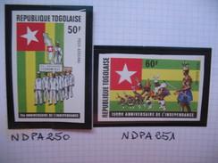 Timbre Non Dentelé   N° PA 250 Et 251  15 ème Anniversaire De L'Indépendance   1975 - Togo (1960-...)