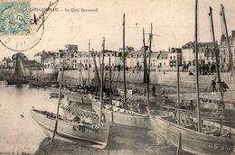 CONCARNEAU -    LE QUAI PENNEROFF 1905    BELLE CARTE ANIMEE - Concarneau