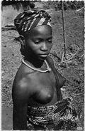 CPSM Guinée Nu Féminin Ethnic Femme Nue Non Circulé GIL 29 Tatouages Scarification - Guinée Française