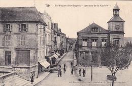 PR-  LE BUGUE  EN DORDOGNE AVENUE DE LA GARE N° 1 CPA  CIRCULEE - France