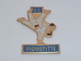 Pin's CLUB DE JUDO DE PIERREFITTE - Judo