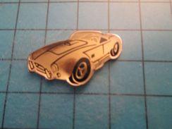 Pin712b Pin's Pins : Rare Et Belle Qualité :  VOITURE DE SPORT ANNEES 50 FERRARI ?  , Marquage Au Dos : - ---  - - Ferrari