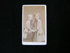 Cpa Ancienne Photo Cdv Marguerite Et Solange De Raynal - Photos