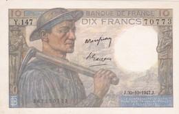 FRANCE : BILLET  10 FRANCS MINEUR Du 30-10-1947 - Pli Vertical Peu Marqué, Petite Tache (2 Scan) 1 - 1871-1952 Circulated During XXth