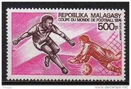 Madagascar - Poste Aérienne - 1974 - Yvert N° PA 133 **  - Coupe Du Monde Football Allemagne - Madagascar (1960-...)