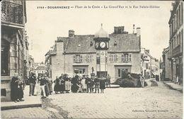 France > [29] Finistère > Douarnenez.CPA 3752 - Place De La Croix , Rue Sainte Hélène - Douarnenez