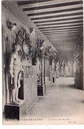 Musée De Cluny - La Galerie Des Armures - Museos