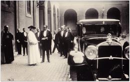 Papst Pius Der 11. Nimmt Seinen Mercedes-Benz Im Vatikan In Empfang  | Mercedes-Pressefoto 21,5 X 14 Cm | 1700351 - Automobiles