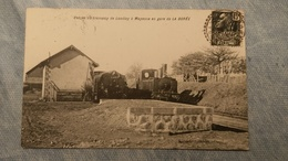 LA DORÉE - ENTRÉE DU TRAMWAY DE LANDIVY À  MAYENNE EN GARE - 53 - Other Municipalities