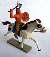 FIGURINE STARLUX 1963 4428  CAVALIER INDIEN Tomahawk Avec CHEVAL Blanc Tâches Noires - Starlux