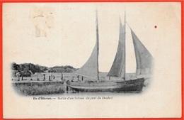 En L'état Rare CPA 17 Ile D'Oléron - Sortie D'un Bateau Du Port Du Douhet - Ile D'Oléron