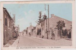 R 22 :  Deux  Sèvres : BEAUVOIR  Sur  NIORT : La  Rue  Principale   1952 - Beauvoir Sur Niort
