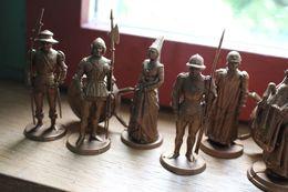 Jeux D'échec Figurine Mokarex 1961 ( Blanc Et Noir ) + Notice - Figurines