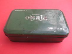 Boite Métallique Ancienne/Machine à Coudre OMNIA/Manufrance/ Avec Guide/ Et Piéces/Vers 1930-50                  BFPP144 - Boîtes