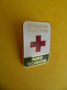 Pins Pin's EGF American Red Cross - NURSE TECHNICAL -  Signé BASTIAN Doré OR Fin 24 K USA Croix Rouge - Asociaciones