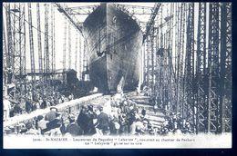 Cpa Du 44 St Nazaire Lancement Du Paquebot Lafayette Construit Chantier De Penhoët Lafayette Glisse Sur Cale  SEP17-45 - Saint Nazaire