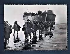 CPA Photo. 1939/1945 Débarquement En Normandie - Ravitaillement Des Alliés Au Port Du Havre - Oorlog 1939-45