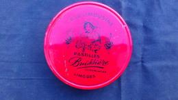 87- LIMOGES- BELLE BOITE METAL FER BLANC- A LA LIMOUSINE-PASTILLES BUISSIERE -CHOCOLATIER-CHOCOLAT- BARBICHET TRICOTTAGE - Boîtes