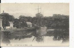 Eu   Bateau Sur Le Canal Vers Les Docks - Eu