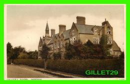 HORSHAM, SUSSEX, UK -  COLLYER'S SCHOOL - J. SALMON LTD - - Angleterre