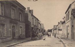 PEZOU - La Grande Rue ( Route De Paris - Bordeaux - France