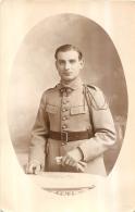 CARTE PHOTO SOLDAT REGIMENT N°28 - Regiments