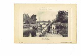 Cpa - PAYSAGES DE FRANCE - LE HALAGE - Chemin Chevaux Cheval Péniche - Pont - Métiers