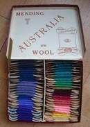 Boite De 40 Cartonnettes De Laine à Repriser. - Vintage. - Wool