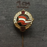Badge (Pin) ZN005871 - Football (Soccer / Calcio) Romania Flamura Roșie (Rosie) Arad - Voetbal