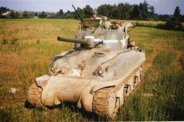 WW2 - Char  Sherman M4 Avec Canon De 105 - 1939-45