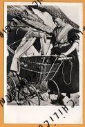 Carte Photo -  Staphorst - Ancienne Poussette En Osier - Femme Et Bébé - Folklore - J. G. V. AGTMAAL - LEER'S - Nederland