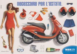 Alessia Merz Con Scooter Bottiglia Di Ferrari - Altri