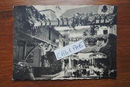 CHINON HOTEL DE LA BOULE D OR COUR INTERIEURE RATIE PROPRIETAIRE / ANIMATION EN TERRASSE - Chinon